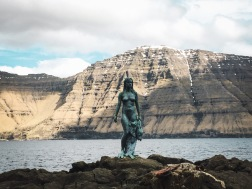 The Selkie statue in Mikladalur